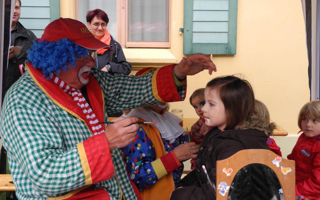 Kinder erobern den Schlosspark